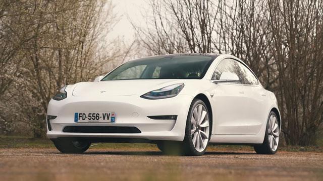 افضل السيارات الكهربائية لسنة 2020  تيسلا 3 تتصدر القائمة