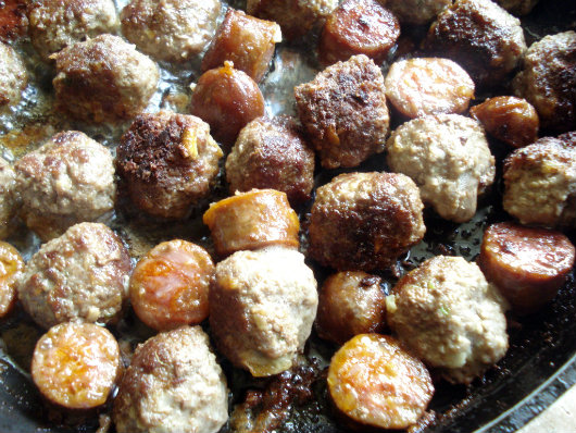 saute kofte and sausage pieces