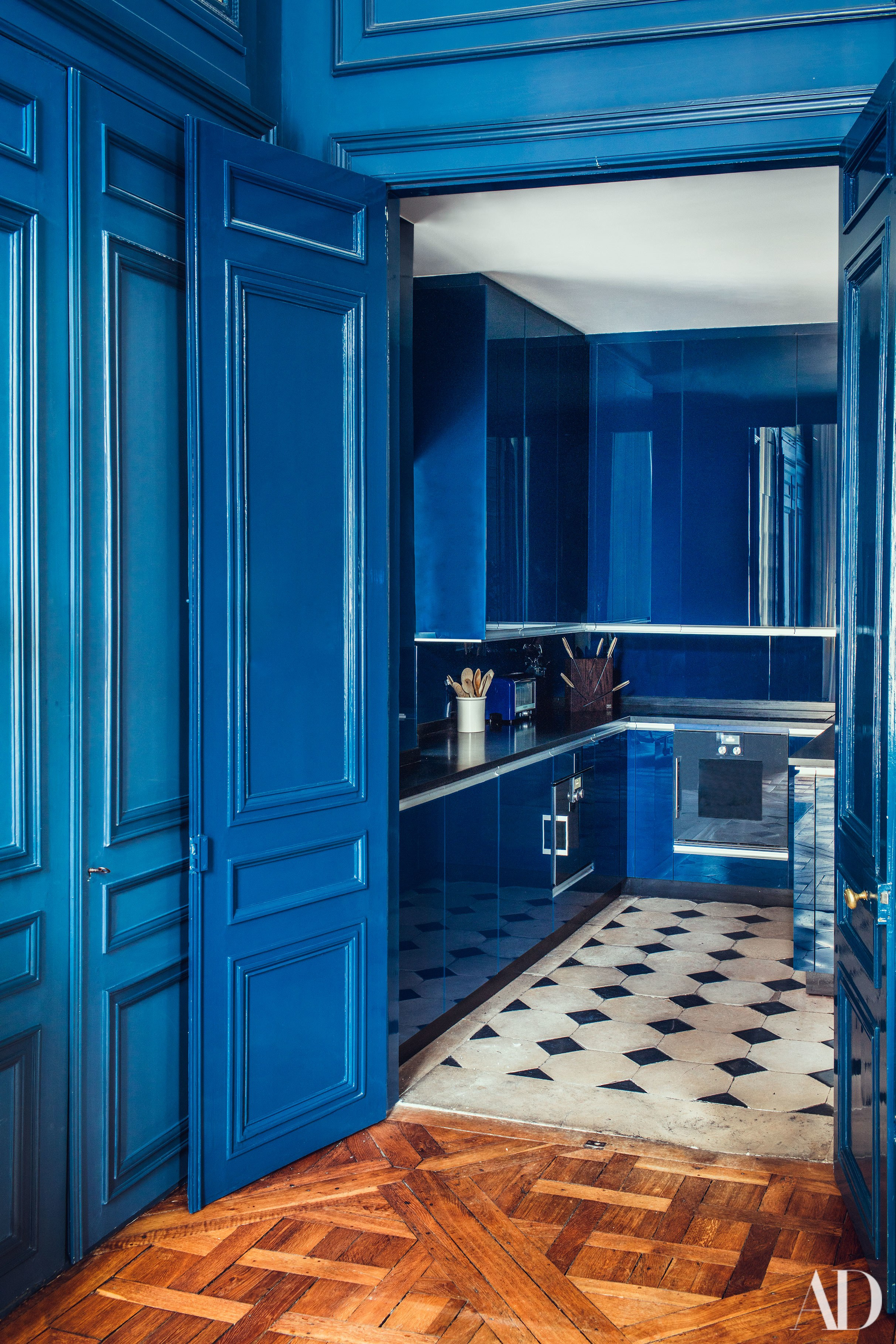 Décor Inspiration | At Home With: Pierre Sauvage, an 18th-Century Apartment in Paris