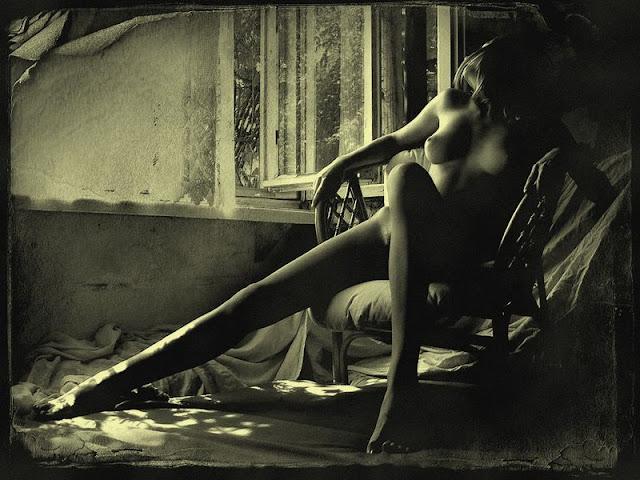 """""""Les fesses de la crémière"""" un superbe site parlant de couple libre  PAR AUDREN LE RIOUAL Confessions et réflexions d'un mari (presque) modèle sur le couple, le sexe, la liberté, l'infidélité, le plaisir, le désir, l'égalité des sexes, les amours plurielles, agrémentées de jolis dessins."""