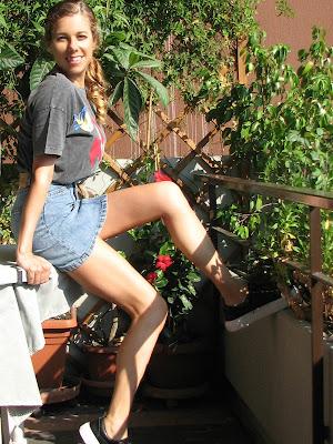 https://s-fashion-avenue.blogspot.com/2020/09/ootd-look-good-feel-good-end-of-summer.html