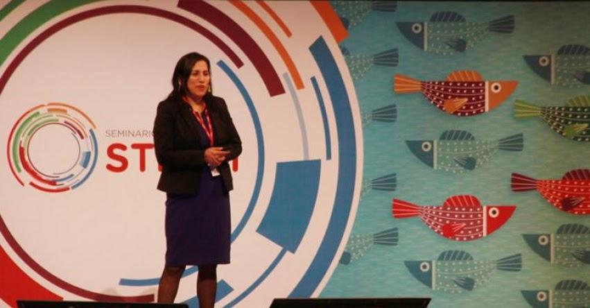 MINEDU: El 2021 todos los colegios urbanos estarán conectados a internet y tendrán equipamiento digital, anuncia ministra Flor Pablo - www.minedu.gob.pe
