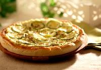 http://www.pizzamaniacos.com.br/2016/05/receita-pizza-zucchini-abobrinha.html