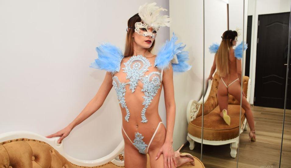 amyjolie Model GlamourCams