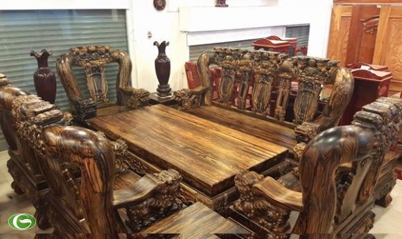 Cùng chiêm ngưỡng bộ bàn ghế có giá trị 2 tỷ đồng