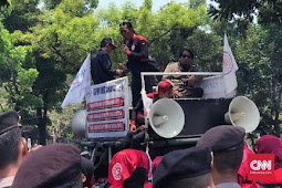 Buruh DKI Demo Minta Kenaikan UMP Jadi Rp4,6 Juta