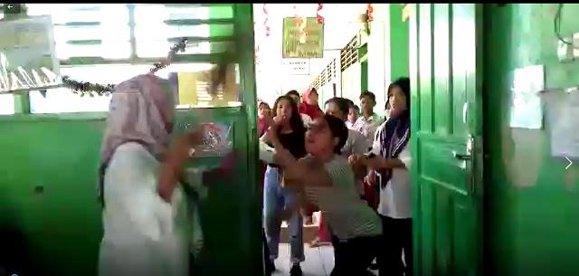 Duel Guru VS Orang Tua Siswa