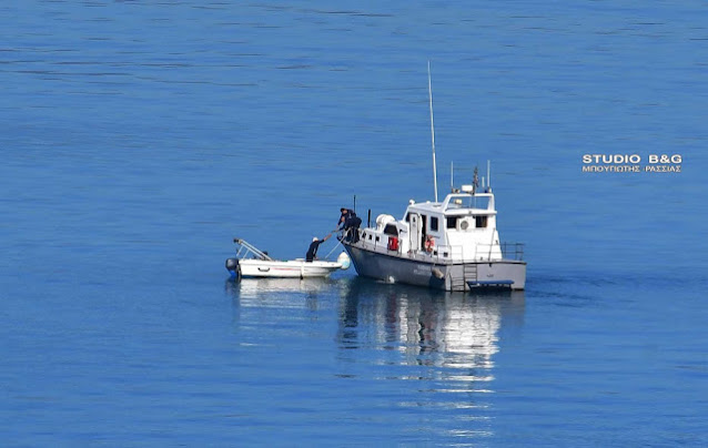 Μέλος πληρώματος σκάφους περισυνελέγη από τη θάλασσα στο στενό Πόρου - Γαλατά