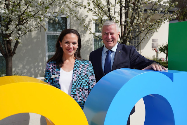 Photo of Google Australia Country Director Mel Silva with Deputy Prime Minister and Member for Riverina Michael McCormack.