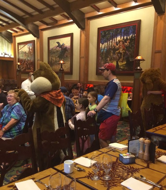 Grand Californian Hotel and Spa, Chip and Dale Breakfast