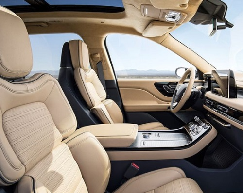 interior Lincoln Aviator