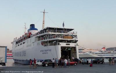 M/F Agios Georgios z Ventouris Sea Lines przed rejsem na archipelag Cyklad