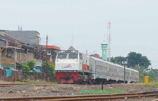 Kereta Api Cirebon Jakarta