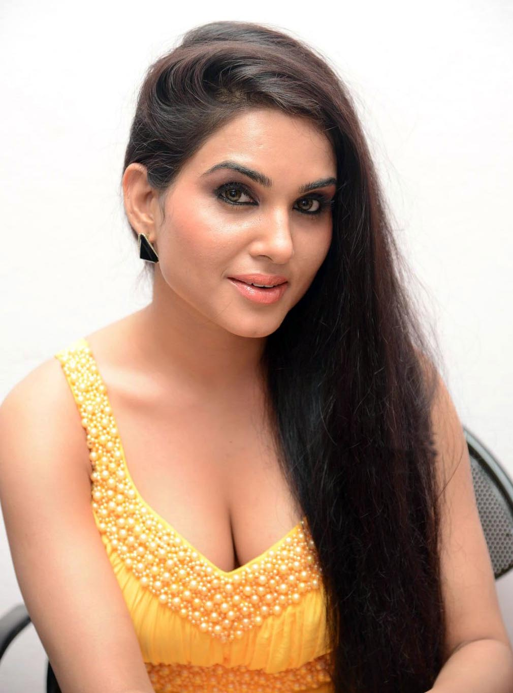 Kavya Singh Latest Hot Cleavage Photos  Mytopgallery -2778