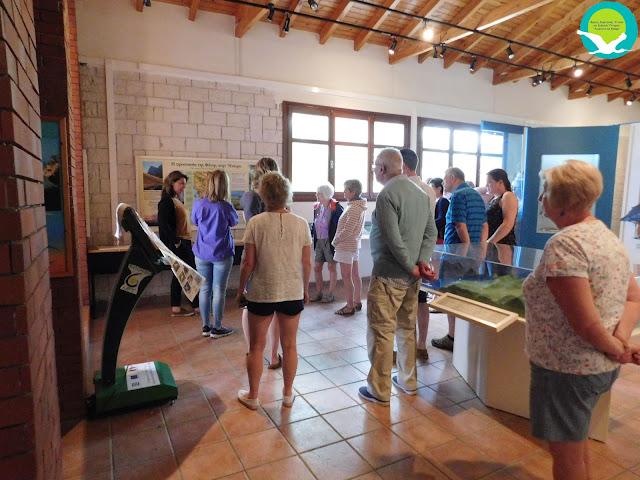 Ενημέρωση τουριστών στο Κέντρο Πληροφόρησης Αμμουδιάς κατά την θερινή περίοδο 2017