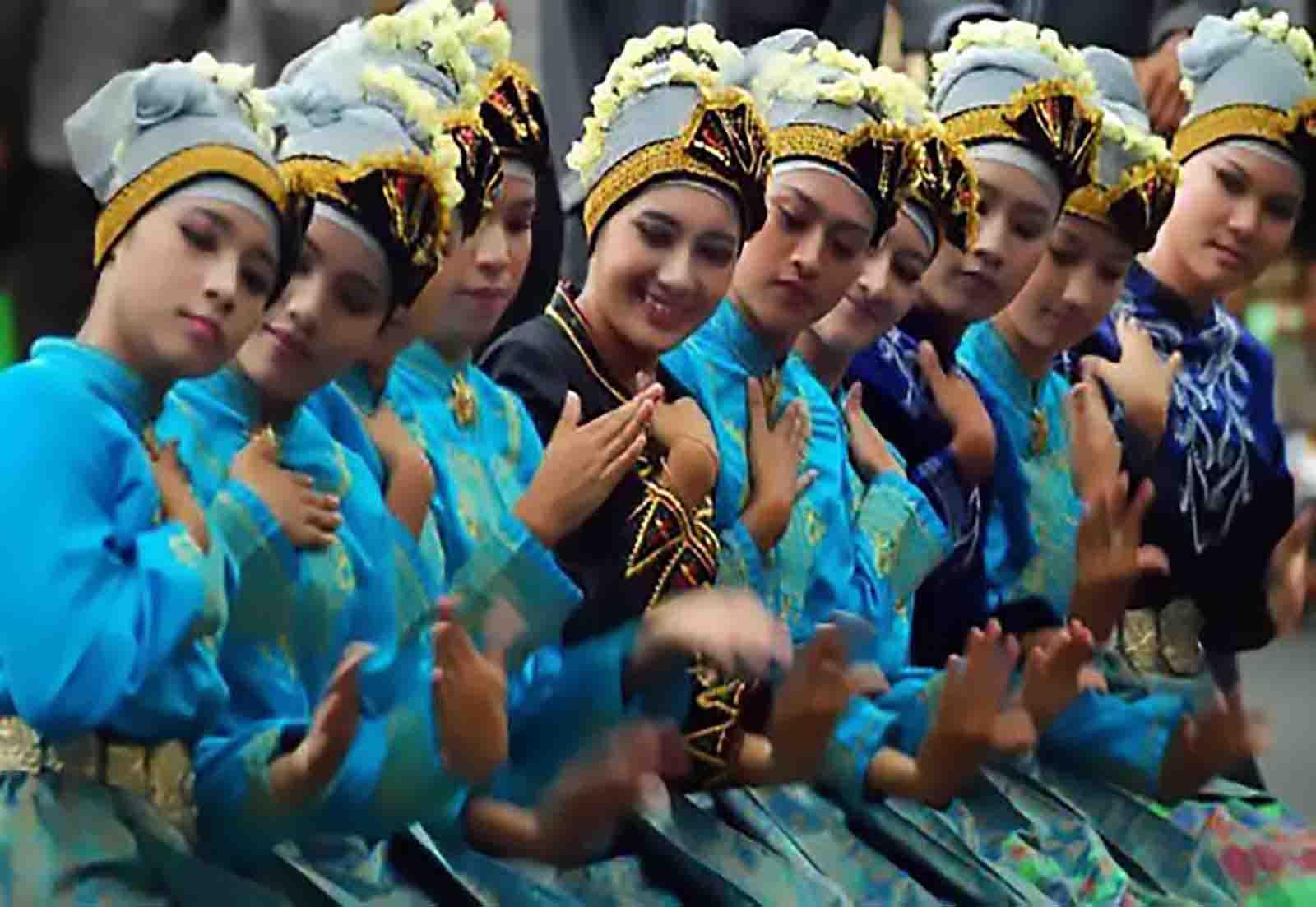 Tari Rateb Meuseukat, Tarian Tradisional Dari Aceh (Nanggroe Aceh Darussalam)