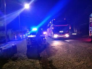 Personel Polsek Cendana Polres Enrekang Melaksanakan Patroli Blue Light Serta Memberikan Himbauan Tentang Prokes