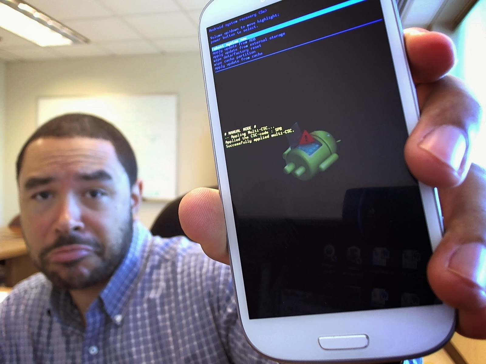 How To Unstick The Samsung Galaxy S3 Boot Screen Issue