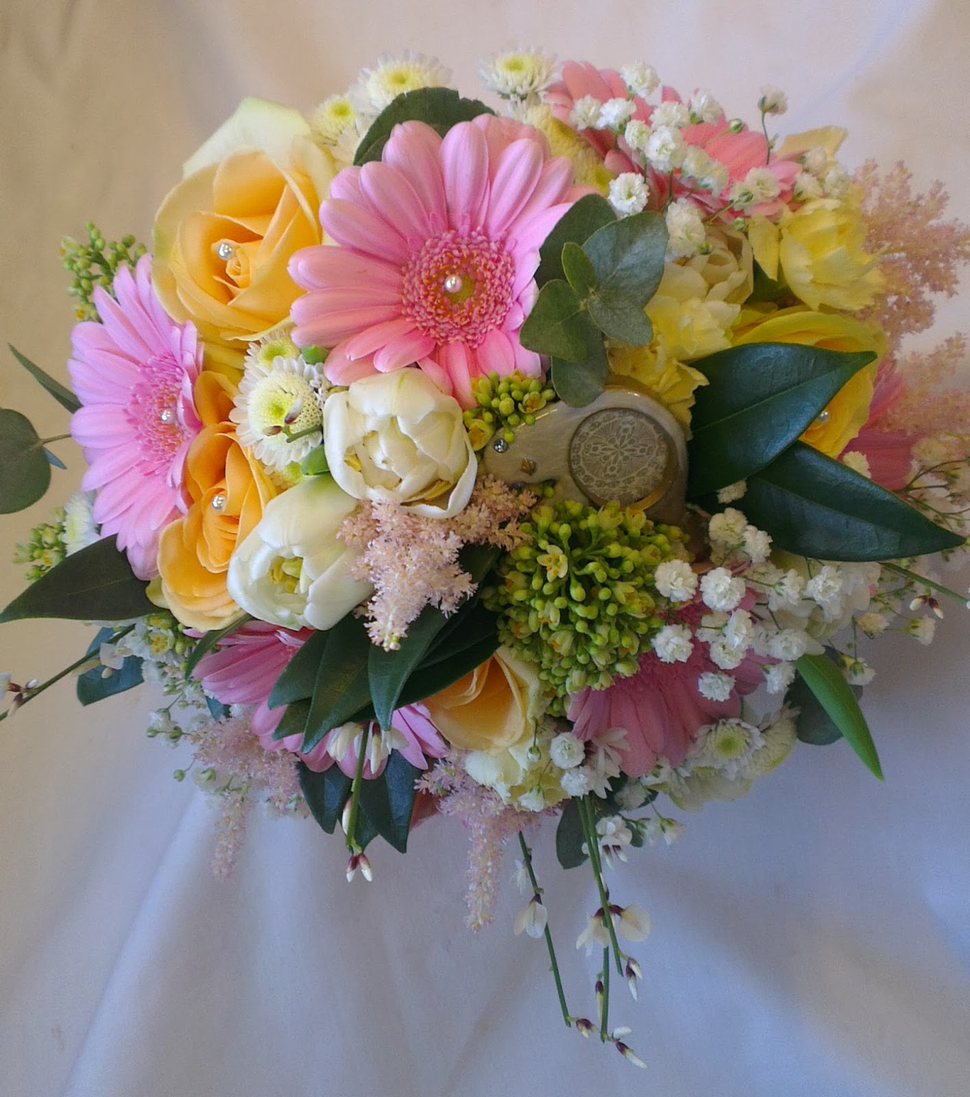 Coral And Pink Wedding Flowers: Sandra's Flower Studio: Pink, Ivory And Coral Wedding Flowers