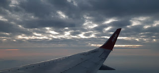 Gumpalan Awan Dilihat dari Pesawat