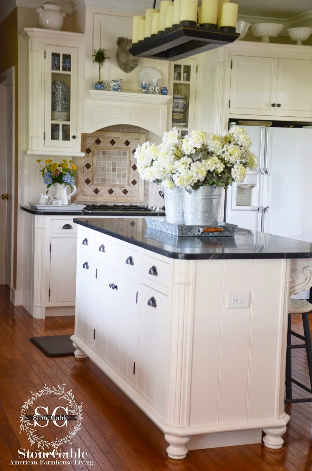 farmhouse style kitchen islands wall hangings 10 elements of a stonegable