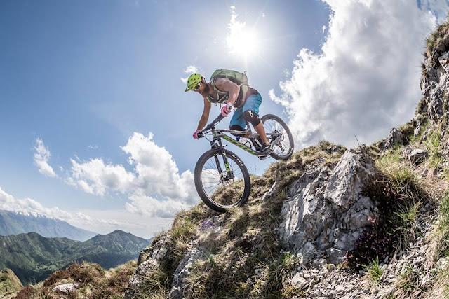mountainbike gipfel gardasee geniale aussicht mtb cima D'oro