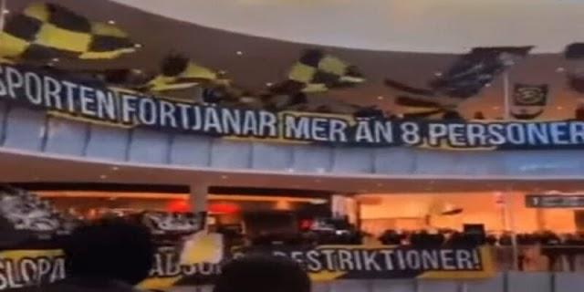 Σουηδία: Αφού δεν μπορούν να πάνε γήπεδο έκαναν κερκίδα στο εμπορικό κέντρο!