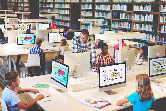 Teknoloji Öğrenmeyi Nasıl Etkiliyor?