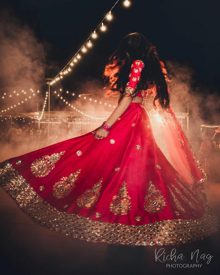 diwali pose with lehanga