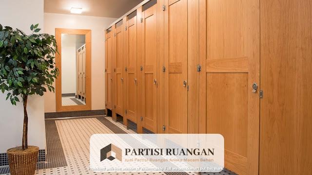 jual partisi toilet kayu Surabaya