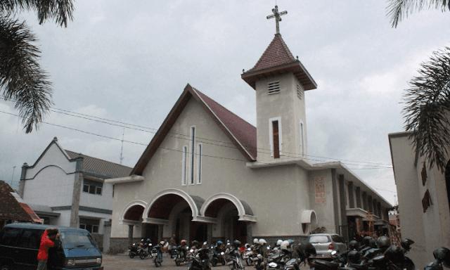 Igreja é esvaziada à força na Bielorrússia