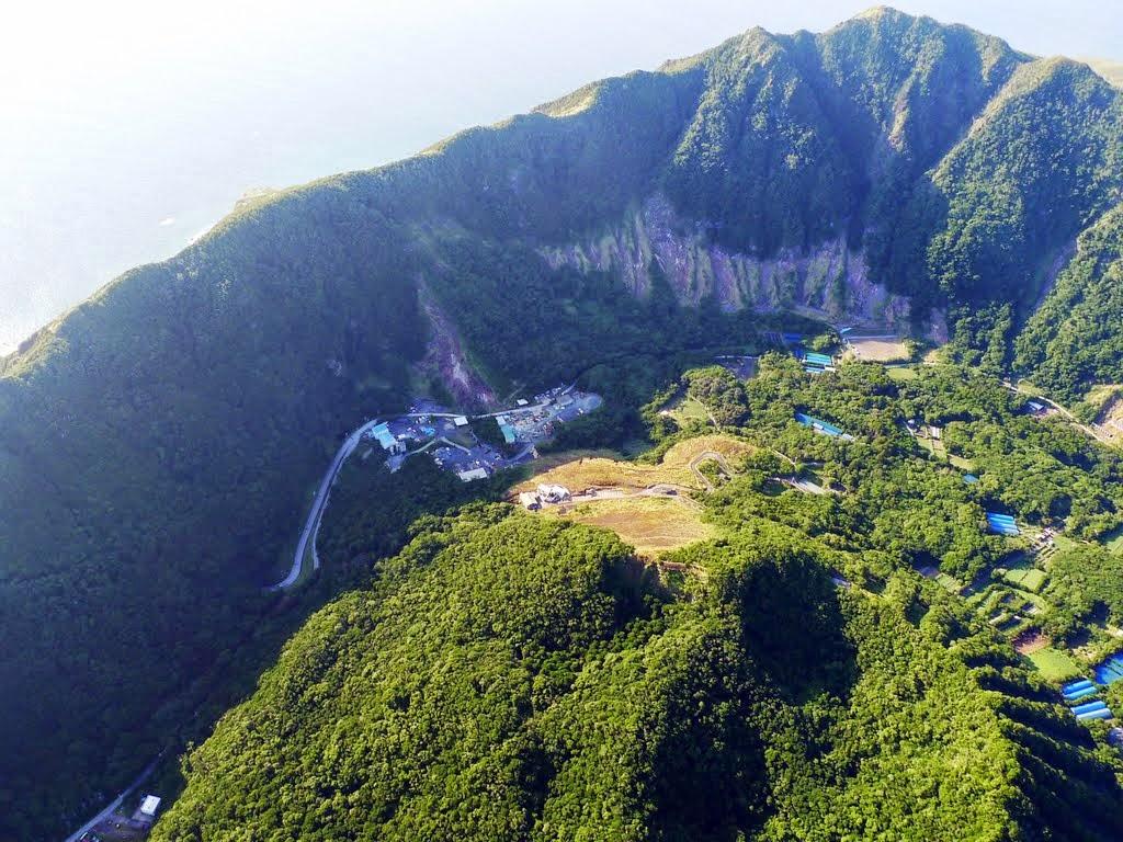 Amazing and Beautiful Places: Aogashima Volcano, Japan