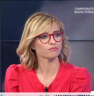 Monica Giandotti oggi occhiali da professoressa 18 giugno Unomattina