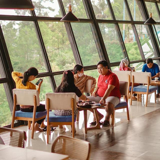 Taman Langit Cafe Gunung Slamet