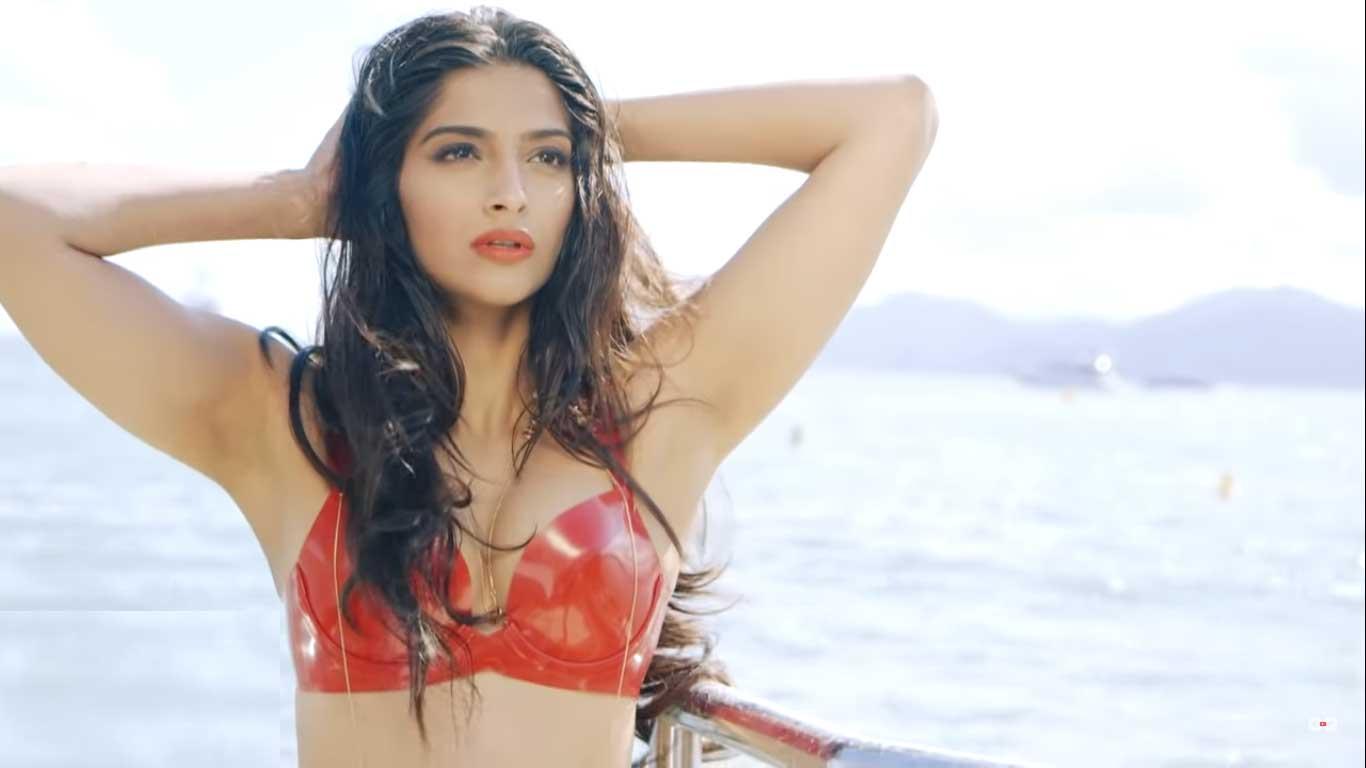 Sonam Kapoor Hot Armpits