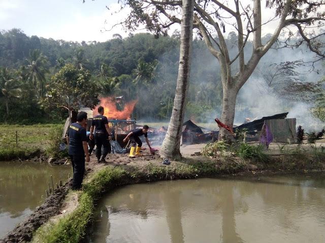 Diduga Lupa Matikan Tungku, Satu Rumah Ludes Terbakar