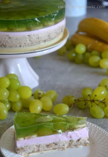 Ciasto z bananami i winogronem bez pieczenia