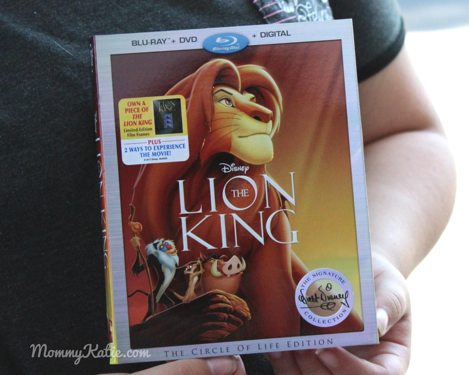 Walt Disney Signature Collection: The Lion King - Mommy Katie