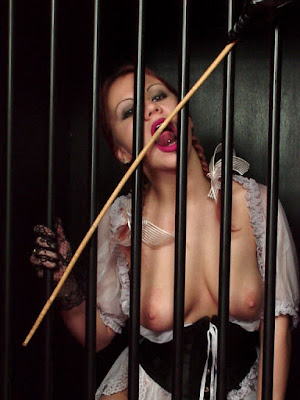 esclava enjaulada