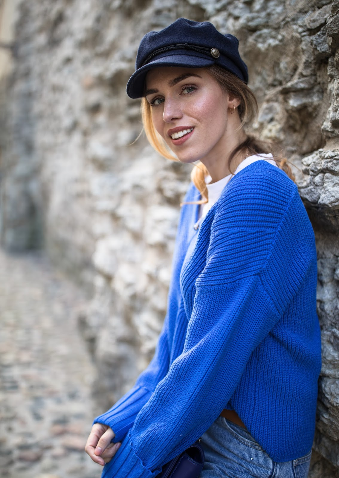 paperboy hat oversized sweater outfit
