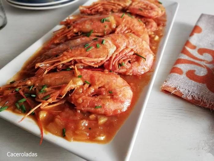 Receta de gambones en salsa de tomate picantes