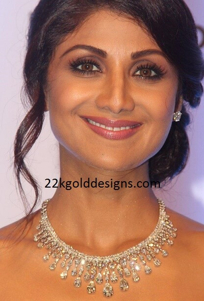 Shilpa Shetty in Anmol Diamond Necklace