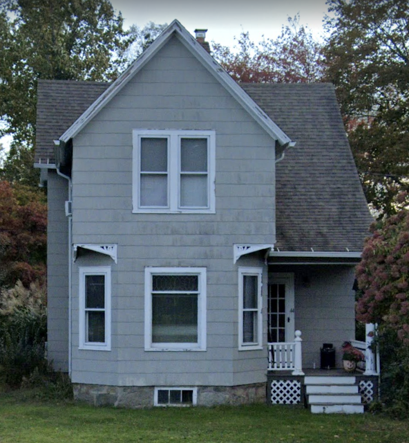 color front photo of Sears Avoca at 44 Colchester Avenue, East Hampton, Connecticut