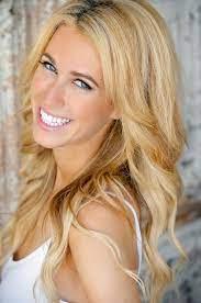 Jennifer Bond  Age, Wiki, Biography, Height, Boyfriend, Family, Instagram