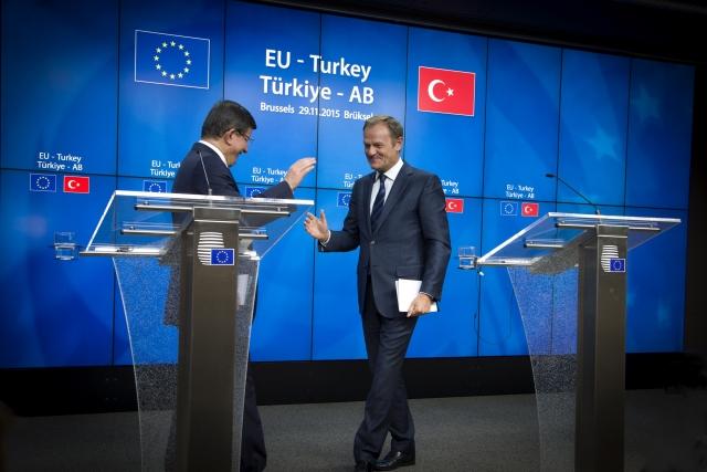 Η σύνοδος ΕΕ -Τουρκίας είναι γάμος με το πιστόλι στον κρόταφο