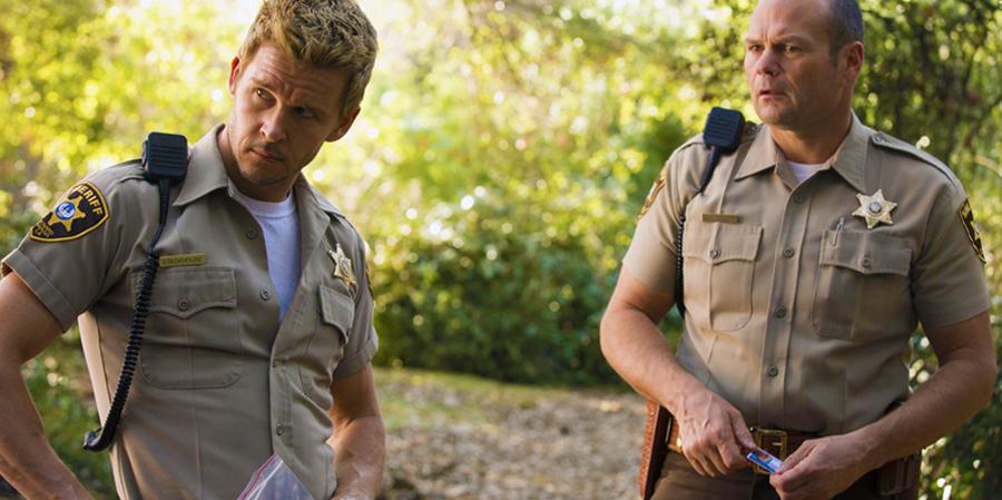 Ryan Kwanten şi Chris Bauer în ultimul sezon al serialului True Blood.
