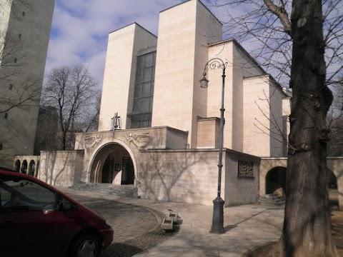 Pályázatot írtak ki a Városmajori Jézus Szíve templom két díszüvegablakára