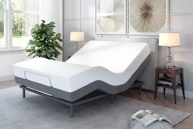 Hasta yataklarına benzer motorlu bir sisteme sahip olan ayarlanabilir yataklar, özellikle ileriki yaşlarda yataktan daha kolay kalkmanıza yardımcı olur.