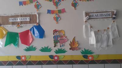 Escola Chicó Maria entrega livros e atividades