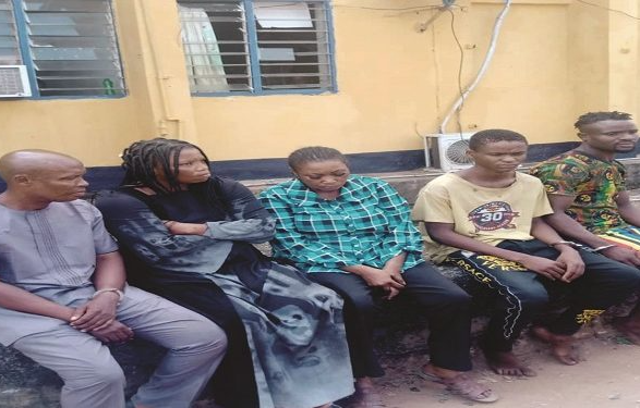 Child-stealing syndicate in Imo and Enugu that attracts children using biscuits and candy caught